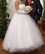 белое свадебное платье (1 раз б/у)